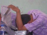 Siswa tidur di kelas